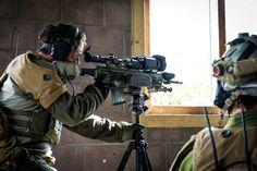 Norwegian sharpshooter during urban training(1280X852)