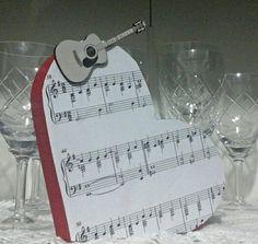 Coração decorado partitura  Encomendas  Www.facebook.com/palavraseletrasdecorativas