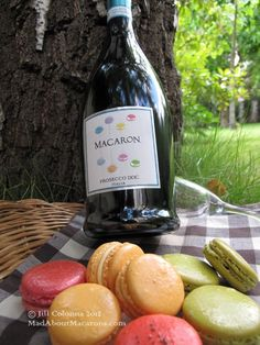 Love these photos of our Prosecco taken by Jill from MadAboutMacarons.com!