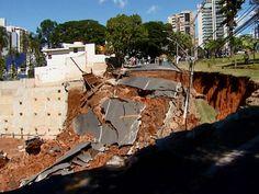 Vídeo flagra cratera se abrindo em uma rua de Campinas