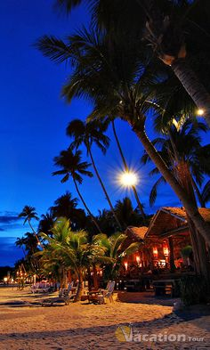 Located in the Asian Pacific is the island of Boracay in the Philippines with breath-taking features.
