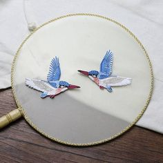 A Pair of Flying Hummingbird Embroidered Iron On Applique