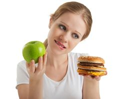 Follow These 6 Tips To Detox Your Diet & Drop Pounds: Detox diets that involve dieting, or drinking certain juices are common. But what about detox diets that focuses on eating nutrient-rich, natural whole foods? Find out more about this detox diet in this article (you'd be pleasantly surprised by how easy it is to detox your diet and drop pounds!)