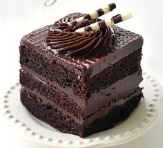 Find and save your favorite chocolate desserts. Collect your ultimate chocolate collection from milky sweet to dark decadence. Baking Recipes, Cake Recipes, Dessert Recipes, Yummy Treats, Sweet Treats, Yummy Food, Think Food, Love Food, Cupcake Cakes