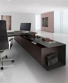 Keypiece Communication Desk by Walter Knoll Office Table Design, Office Furniture Design, Office Interior Design, Home Interior, Office Designs, Executive Office Desk, Modern Office Desk, Corporate Interiors, Office Interiors