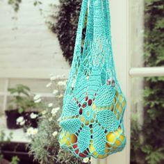 crochet market bag with link pattern