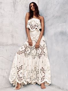 The Bohemian Lifestyle on Covetboard features an eclectic mix of bohemian decor and fabulous boho fashion. Covet bohemian fashion now on Covetboard. Bridesmaid Outfit, Look Chic, Bohemian Style, Bohemian Summer, Strapless Dress Formal, Designer, Boho Fashion, Marie, Skirt Set