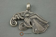 Hey, I found this really awesome Etsy listing at https://www.etsy.com/listing/232338806/raven-of-odin-munin-viking-scandinavian Looks like my tattoo!