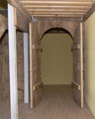 Dubbele hoogslaper steigerhout met glijbaan en speelhuisje