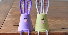 Adorable bunnies to celebrate spring or Easter. Make this fun craft with your kids with these step by step instructions!