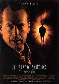 El sexto sentido (1999) EEUU. Una pelicula que trata sobre abducciones de extraterrestres, dicen que esta basada en una historia real