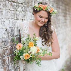 DIY Flower Crown Flower Crown Wedding, Wedding Hair Flowers, Flowers In Hair, Floral Wedding, Silk Flowers, Flower Hair, Orange Wedding, Wedding Dresses, Simple Flower Crown