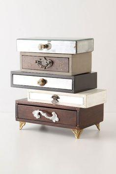 Anthro Topsy-Turvy Jewelry Box (diy with cigar boxes and knobs) Jewellery Storage, Jewellery Display, Jewelry Organization, Organization Ideas, Closet Organization, Jewellery Rings, Jewellery Boxes, Diy Makeup Storage, Storage Ideas