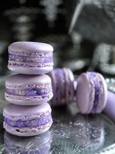 Lavender Rose French Macarons. These are sooo pretty and look yummy!