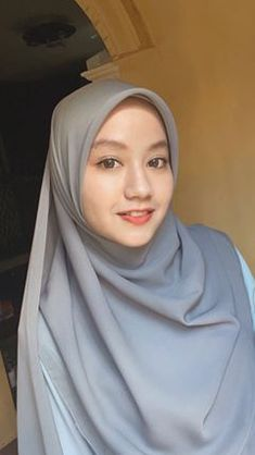 Casual Hijab Outfit, Hijab Tutorial, Beautiful Hijab, Wedding Photo Inspiration, Hijab Fashion, Wedding Photos, Poses, Java, Womens Fashion
