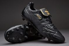 Puma Football Boots - Puma King Top K di FG - Firm Ground - Soccer Cleats - Black/Black/Black/Gold Black Football Boots, Football Shoes, Pumas, Soccer Cleats, Black Gold, King, Stuff To Buy, Gears, Evolution