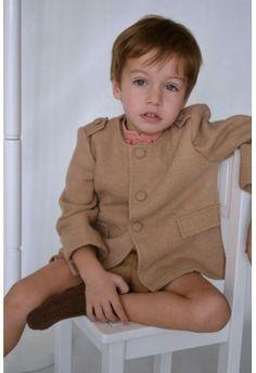 Eva Castro Chaqueta Camel Niño    http://www.suenodehadas.com/tienda/index.php?route=product/product&manufacturer_id=17&product_id=269
