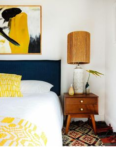 Daydreaming in space (Living Spaces) with art objects and thinking design. An architectural space [architectural design] frames, halts, strengthens and focuses our thoughts, and prevents them from getting lost. Photography: Old Brand New Modern Contemporary Homes, Contemporary Interior Design, Boho Chic Interior, Autumn Interior, Method Homes, Guest Bedroom Decor, Bedroom Ideas, Dream Bedroom, Master Bedroom