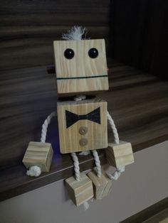 Wood Projects, Woodworking Projects, Wood Toys, Pixel Art, Robots, Triangle, Diy, Woodworking, Art