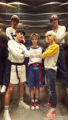 Find images and videos about kpop, k-pop and SHINee on We Heart It - the app to get lost in what you love. Shinee Jonghyun, Lee Taemin, Got7 Bambam, K Pop, Shinee Five, Shinee Debut, Choi Min Ho, Kim Kibum, Pop Bands