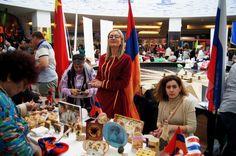 """Multicultural reușim să dăruim împreună – Narcis GAIDARGIU● Târgul de binefacere """"Să dăruim împreună"""" organizat anual, în scop caritabil, de Instituția Prefectului Constanța, în parteneriat cu misiunile diplomatice și minoritățile naționale, a atras anul acesta un număr record de vizitatori. A fost mai mult decât un târg, numărul mare de participanți, atât expozanți, cât și consumatori, au transformat evenimentul într-un autentic festival. De 10 ani, în cadrul evenimentului, fiecare..."""
