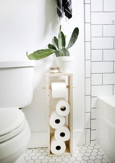 DIY: toilet paper stand