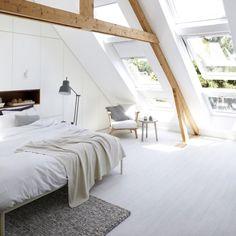 regram via @chairishco Bedroom goals. {photo: Sven Benjamins via @vtwonen}