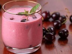 Mix up your morning smoothie routine with this delicious Cherry Coconut Smoothie!