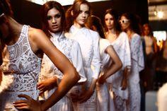 """Clipping: O desfile """"Um desejo secreto"""" é destaque no Portal Márcia Travessoni: - A criatividade alencarina de Almerinda Maria LINK: http://marciatravessoni.com.br/dfb2015-criatividade-alencarina-de-almerinda-maria/"""