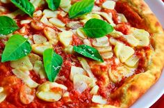 How to make pizza at home ? Pizza recipe - Ab gar me banaye pizza. Pizza Vegana, Eat Pizza, Pizza Hut, Dinner On A Budget, How To Make Pizza, Meal Replacement Smoothies, Foods To Avoid, Good Healthy Recipes, Food Gifts