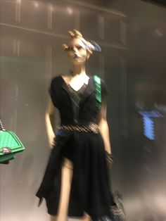Ballet/Cafe/Fashionable