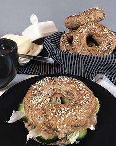 Bagel, Food And Drink, Healthy Recipes, Bread, Diet, Baking, Drinks, Breakfast, Kitchen