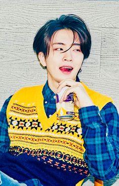 Que homem é esse Meu Deus??! Maravilhoso .... Amém Young Jae, amém