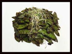 Soy-garlic snow peas