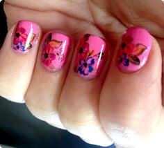 Suuuuper cure nail decals for Spring! Bright Bouquet from Sparkly-Nails!  http://dollfaceblogs.blogspot.co.uk/2014/03/SparklyNailsBrightBouquetWaterDecals.html  Buy here: http://www.sparkly-nails.co.uk/Bright-Bouquet-Nail-Water-Decals_p_1028.html