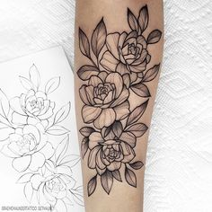 New flash (Taken) Simple rose ⠀⠀⠀⠀⠀⠀⠀⠀⠀ Do you like larger or smaller more simple flash designs? Black Ink Tattoos, Pin Up Tattoos, Skull Tattoos, Forearm Tattoos, Body Art Tattoos, Floral Thigh Tattoos, Tatoos, Rose Tattoos For Women, Sleeve Tattoos For Women
