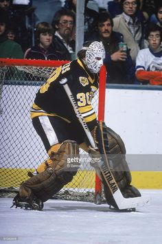 Gerry Cheevers Boston Bruins autographed Photograph signed in blue sharpie. Ice Hockey Teams, Hockey Goalie, Hockey Players, Boston Bruins Goalies, Boston Pictures, Dont Poke The Bear, Bobby Orr, Goalie Mask, Boston Sports