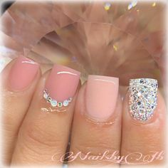 Amazing nude short acrylic nails with an accent glitter nail! Nude Nails, Pink Nails, Glitter Nails, Short Square Acrylic Nails, Best Acrylic Nails, Gorgeous Nails, Pretty Nails, Hair And Nails, My Nails