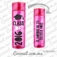 Cilindro para graduación disponible en www.coconut.com.mx Síguenos en Facebook www.facebook.com/... #Termo #Cilindro #Personalizado #Graduacion #CallMeLic #ClassOf2016 #Party Voss Bottle, Water Bottle, Preschool Graduation, Kit, Vinyl Projects, Cricut, Gadgets, Coconut, Mugs