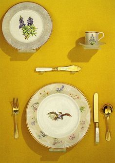 LBJ White House China by Jassy includes 90 wildflowers from all states.