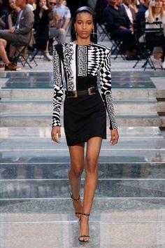 Manuela Sanchez for Versace Mens Spring 2018 Milan ss18