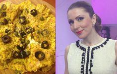 Afla reteta lui Carmen Bruma pentru un mic dejun sanatos, pe care il poti pregati rapid: omleta cu mei si masline sau capere. Pepperoni, Food, Mists, Essen, Meals, Yemek, Eten