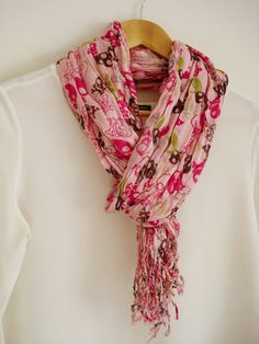 Pink Skull printed crinkle cotton scarf. Skull Long Scarf. Perfect for Ladies.    Length : 180 cm Width : 60 cm    Care instructions: Handwash