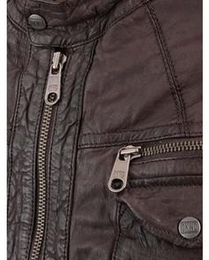 Blouson Cuir Marron Oakwood : http://www.la-canadienne.com/collection-homme/cuirs-blousons-chevre-marron-oakwood_1002.html