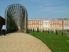 Who are the Britons?: Hampton Court, 2 April, 2005
