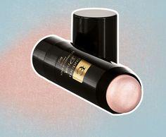 O iluminador em bastão Diva da Eudora é pensado pra combinar com diversos tons de pele (R$ 56,99)