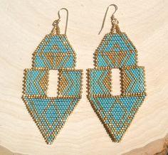 Boucles d'oreilles turquoises et or par wildmintjewelry sur Etsy