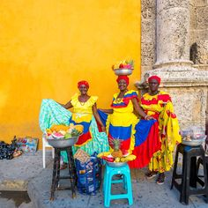 A pop of Cartagena color to brighten your Wednesday. Tap the link in our profile for our full travel guide on this vibrant city.