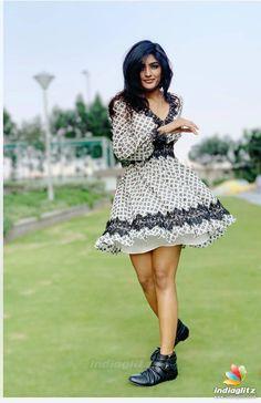 Actress Eesha Rebba Latest Hot Photoshoot Stills Hot Images Of Actress, Actress Pics, Tamil Actress Photos, Beautiful Girl Indian, Beautiful Indian Actress, Beautiful Actresses, Hollywood Girls, Hollywood Heroines, Bollywood Cinema