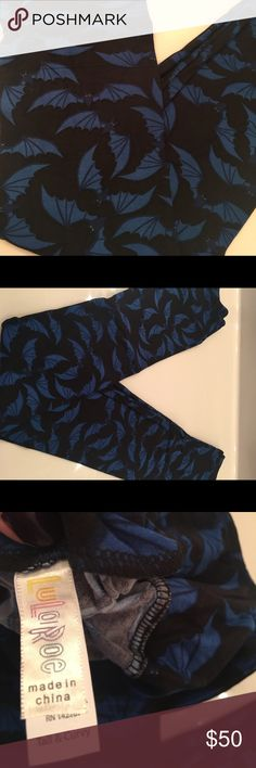LuLaRoe TC leggings Halloween bats Rare black bats on navy blue background so cute and Uber soft. Offers welcome but 25 is not a reasonable offer if you can buy these from a consultant please do LuLaRoe Pants Leggings